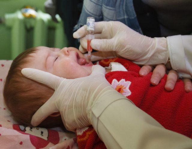 Прививка от полиомиелита за и против