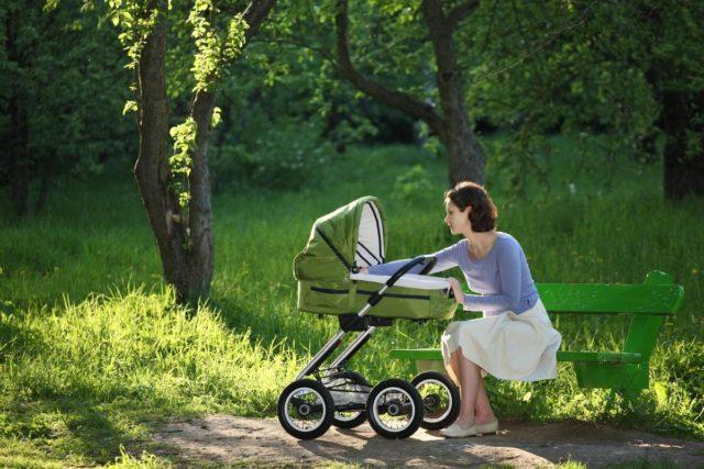 Прогулки с ребенком после АКДС