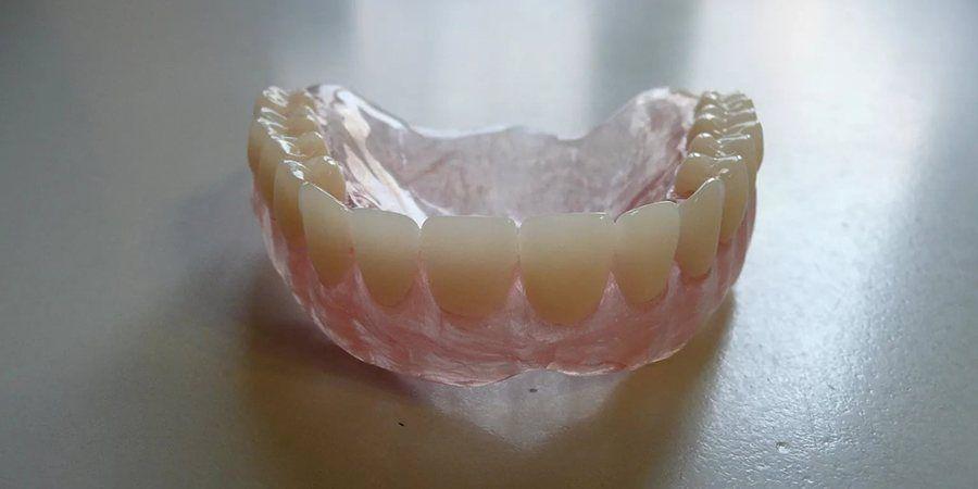 Акрифри как отличный материал для зубных протезов