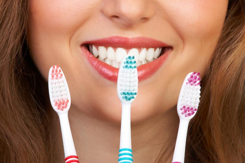 Как правильно ухаживать за зубами при исправлении прикуса протезированием