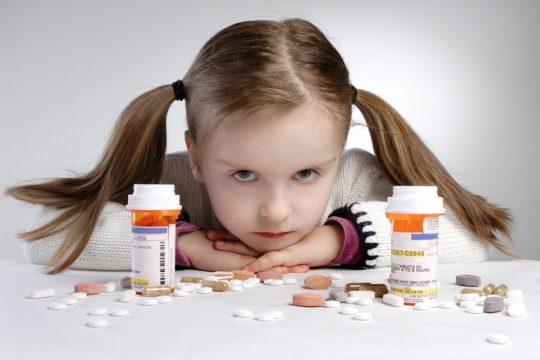 Медикаментозное лечение кислого запаха изо рта у ребенка