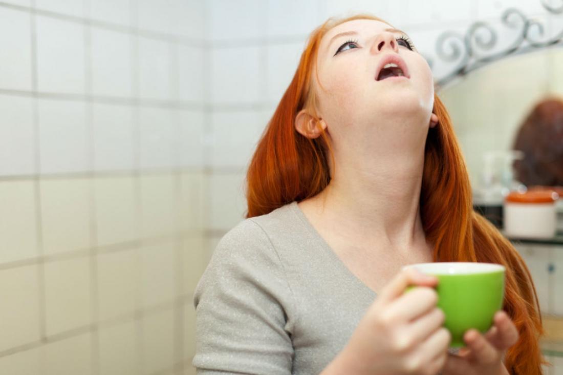 Полоскание рта для лечения гнойного стоматита в домашних условиях