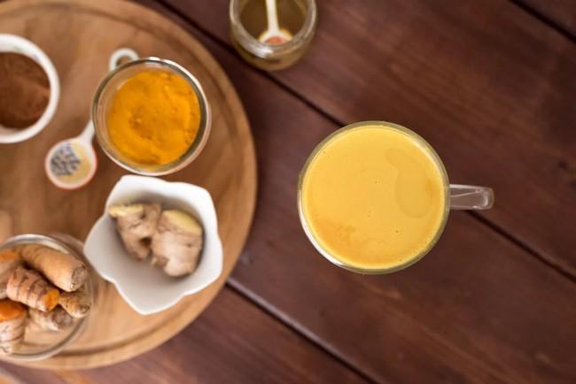чай с имбирем и куркумой