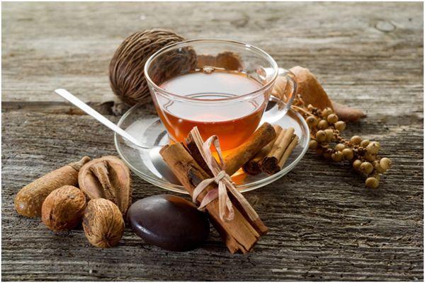 чай с корицей и орехи