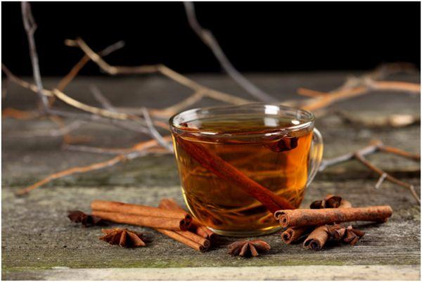 чай с палочками корицы