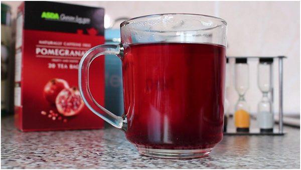 гранатовый чай в кружке