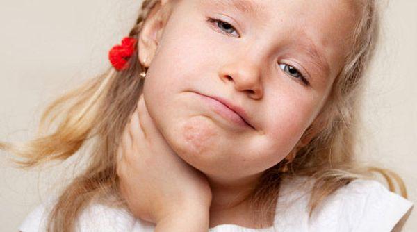 Как быстро вылечить горло за 1 день ребенку?