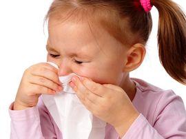 Что делать, если у ребенка сопли и температура, чем лечить