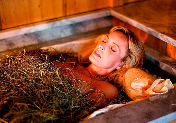 Ванна со скошенной травой