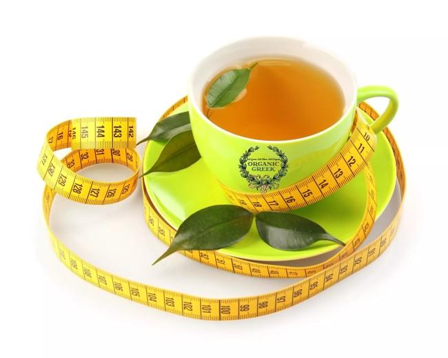 зеленый чай и сантиметр